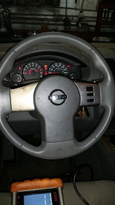2007 Nissan Frontier steering wheel